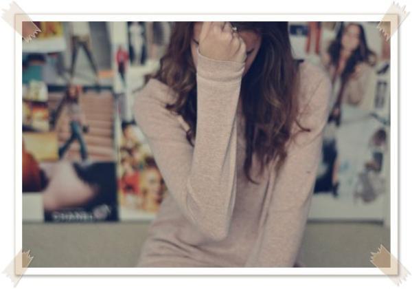 C'est comme si t'étais encore là, c'est comme si t'étais à côté de moi mais que j'te voyait pas, je t'aime, et c'est pas rien,crois-moi (...)