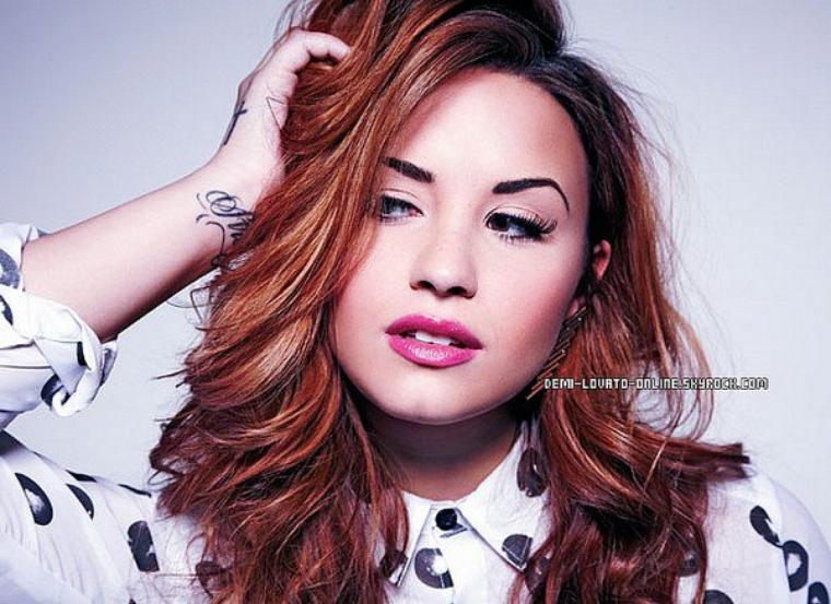 Demi pour le magazine anglais Fabulous : Photos + Interview