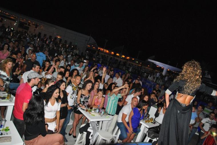 "Genta Ismajli - ""Bistro Pool & Club"" - 25.06.2011"