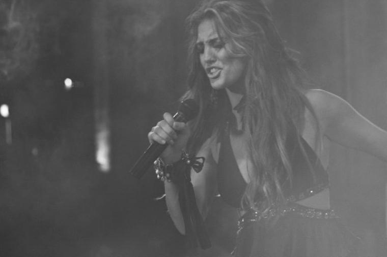 Genta Ismajli - Promovimi i albumit ''Guximi'' ne Platon - 14.07.11