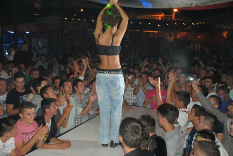 Genta Ismajli - Space club, Peje - 13.08.11