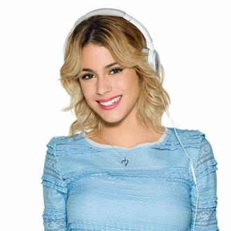 Get the Violetta Look
