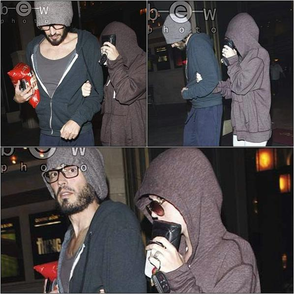 Sam. 13 aôut : De nouvelles Candids de Rusell et Katy sortant du cinéma à Los Angeles. +