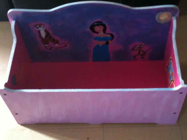 Un coffre à jouet pour Cléa (aperçu du projet en cours de réalisation)