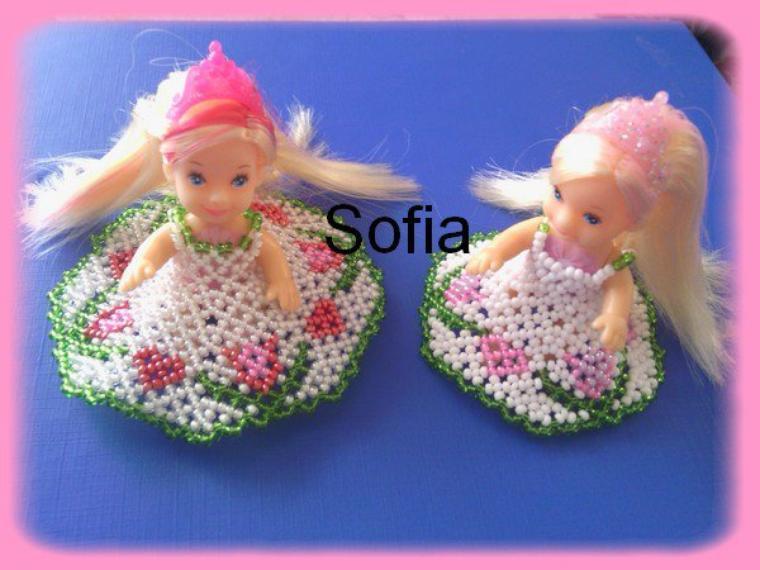 2 poupées de 5 cm