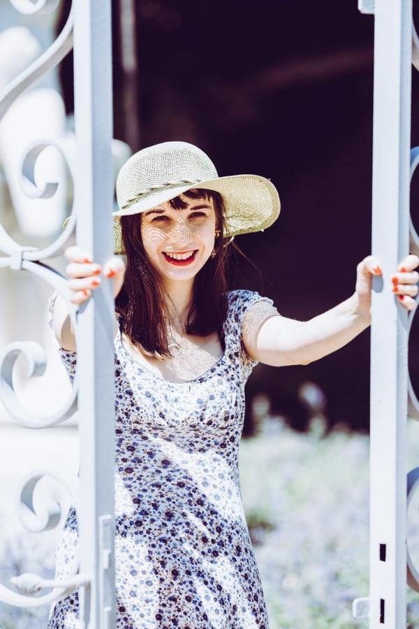 """Le Sourire Radieux d'une Personne à laquelle je tiens beaucoup :  la belle et formidable Rose Prune, Créatrice du Site """"La Chambre Rose et Noire"""" !"""