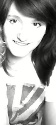 Garde le sourire , il sera ta meilleure arme pour cacher tes blessures