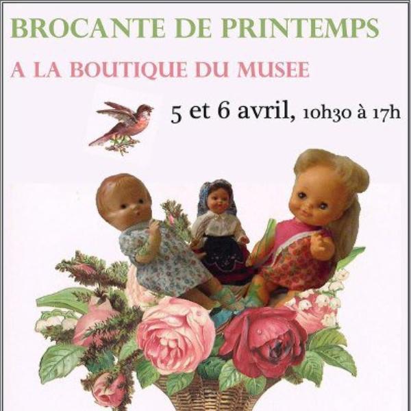 Au Musée de la poupée, Paris.
