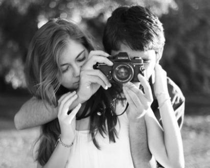 Est-ce l'amour qui rend idiot ou n'y a-t-il que les crétins pour tomber amoureux?