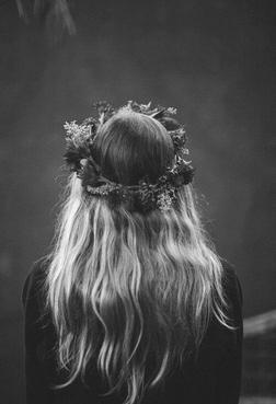 Quelqu'un a dit un jour que la mort n'es pas la pire chose dans la vie : le pire, c'est ce qui meure en nous quand on vit.