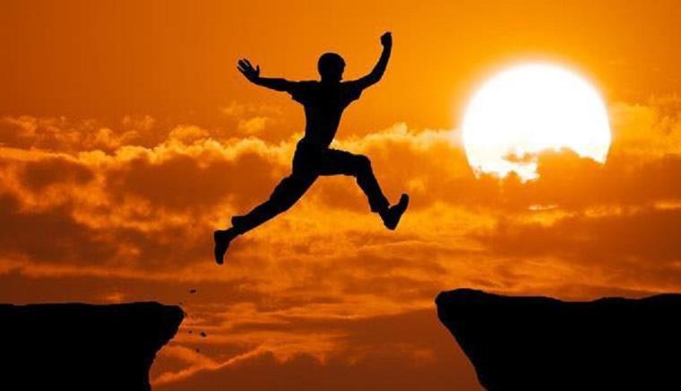 Quand on est dépendant de rien; On est libre de tout :-)