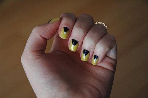 Zealous, ce jaune cramoisi indécis.