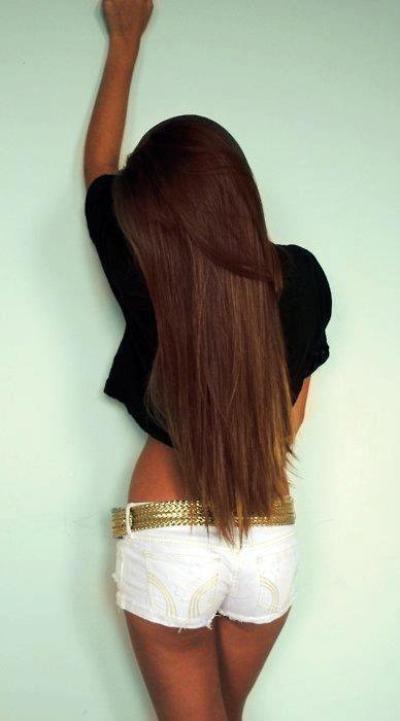 C'est cheveux sont juste trop beau.