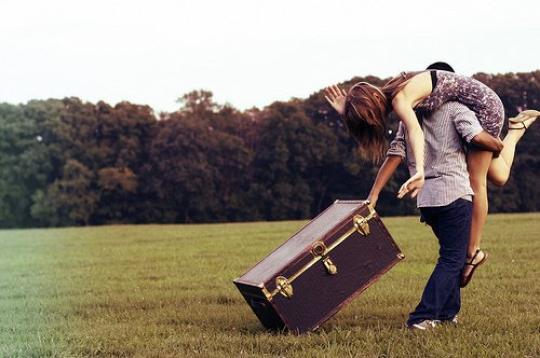 Je ne suis capable que de t'aimer. Je n'ai jamais su comment arrêter, et je ne veux jamais l'apprendre. Car tout cet amour que j'ai en moi, j'ai besoin de le donner. De te le donner. Alors, qu'importe ce qu'il adviendra de nous, sache qu'une part de moi t'aimera toujours.