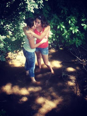 « Quand on a un meilleur ami, on a besoin de rien d'autre au monde. » ~ Céline & Valentine ~