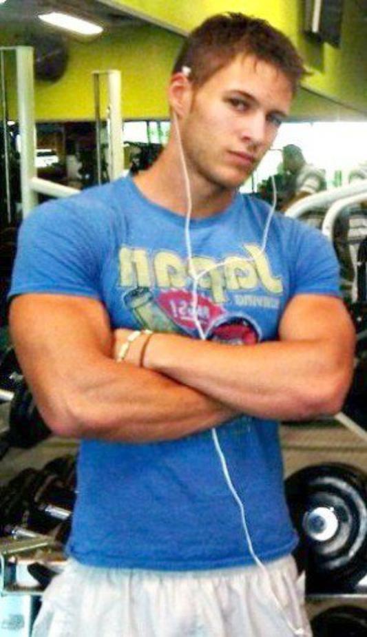 Moi a la salle de musculation :)