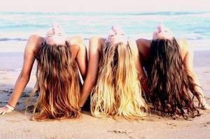 """Un spray pour avoir des cheveux """"retour de plage"""""""