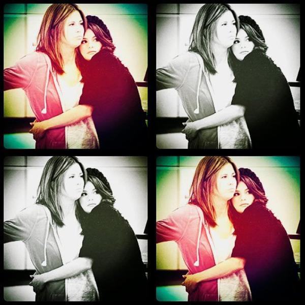 Ma maman me manque ! :'(.  Selena