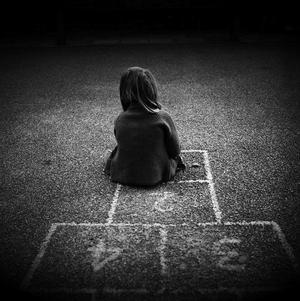 À l'âge de six ans, j'ai fait ma première fellation. Il m'a demandé « C'est un jeu, tu n'aimes pas les jeux ? »