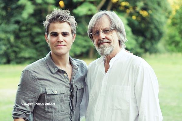 Le  27 juin 2011 Photos de Paul qui était en Pologne pour l'affiche d'un film