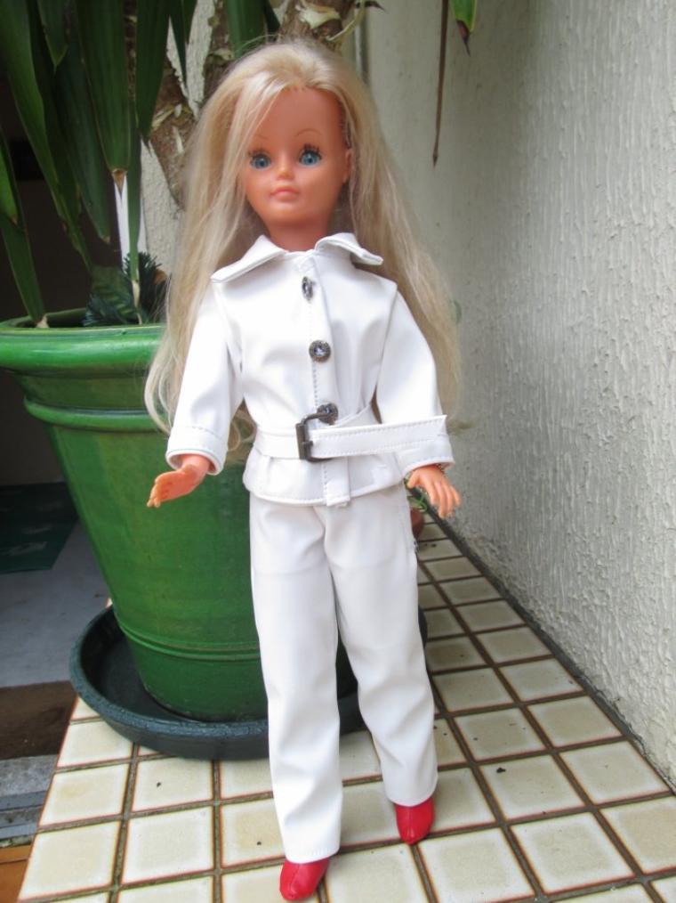 ma petite blondinette en tenue Val d'Isère (copie)