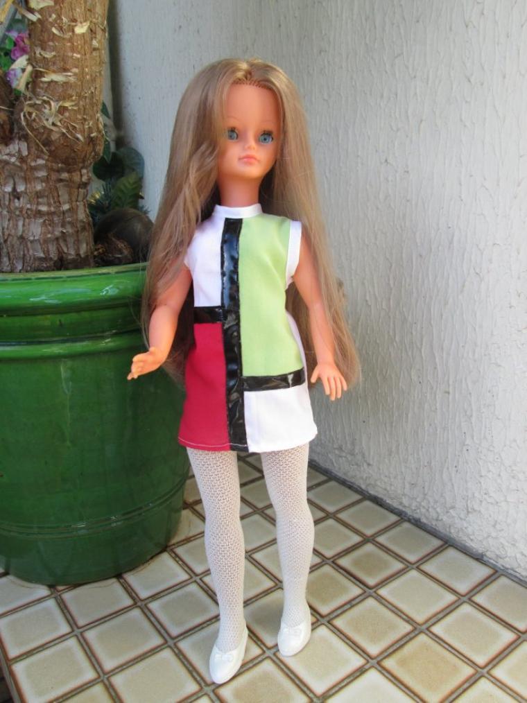 ma Cathie en robe assymétrique vintage