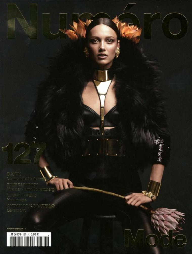 Numéro #127 Octobre 2011 avec Karmen Pedaru