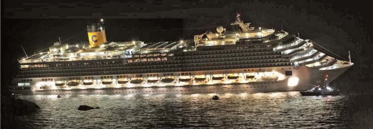 Video Costa Concordia couché devant l'île de Giglio  Vision Infrarouge de nuit