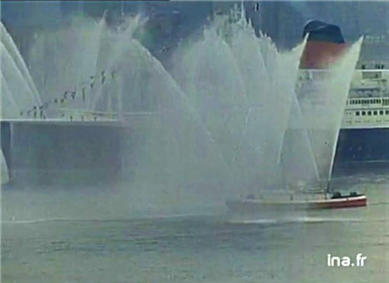 paquebot FRANCE : 8 février 1962 - arrivée inaugurale dans le port de New-York