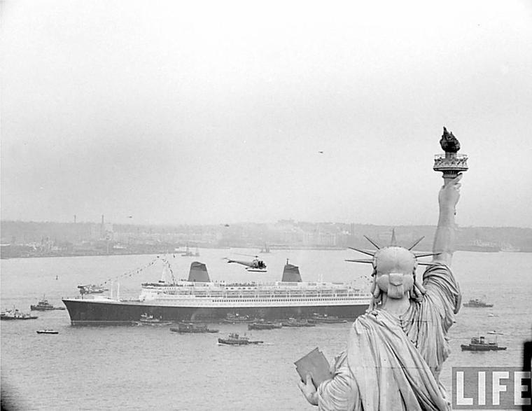 paquebot FRANCE : 8 février 1962 - arrivée inaugurale dans le port de New-York (3)