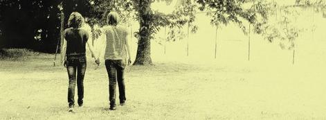 """""""La vie est un beau voyage, Avec ses joies et ses péripéties, Sur mon chemain j'ai eu, La chance d'être ton amie, Alors poursuit ton voyage, Sur le sentier ou tu veux cheminé, Et ou j'espere avoir le plaisir, De t'y accompagner, Car l'amitier ces simple, Ces sacré, Plus vaste encore que l'amour, Et incroyablement moins compliquer, L'amitier ces un baiser tout parfumé, Et sans aucune arriere-pensée, C'est un sentiment merveilleux, Merci de me permettre de l'éprouver!"""""""