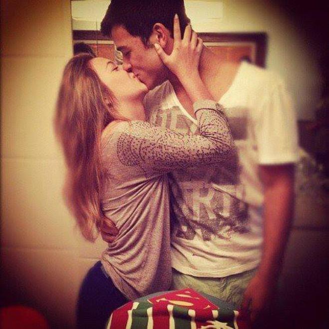 Si je dois mourir un jour, j'aimerais mourir dans tes bras.. ♥