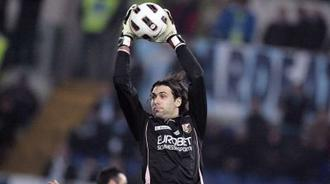 Le PSG aurait recruté Salvatore Sirigu !