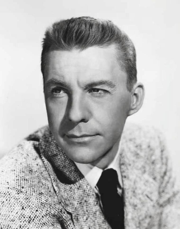 David WAYNE, de son vrai nom James WAYNE McMEEKAN, né le 30 janvier 1914 à Traverse City, Michigan (États-Unis) et décédé d'un cancer le 9 février 1995 à Santa Monica, Californie (États-Unis), est un acteur américain.