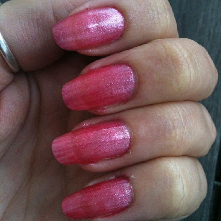 Vernis rose pailleté