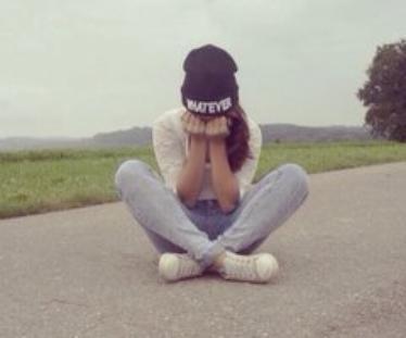 C'est dur quand une personne te manque. Mais ça veut dire que tu étais chanceux, que tu avais quelqu'un de spécial dans ta vie, quelqu'un d'assez important pour te manquer. - OTH