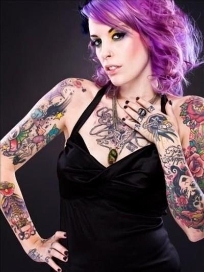 # Filles tatouées