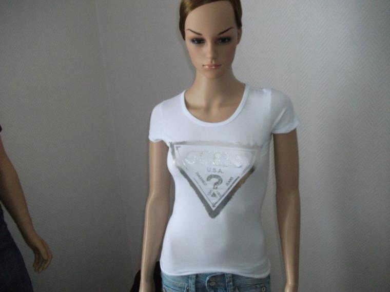 T-shirt Guess 20 euros