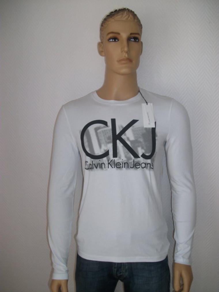 T-shirt Calvin Klein 25 euros