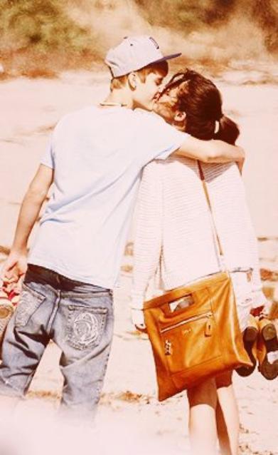 « L'amour est un rêve pour deux. »