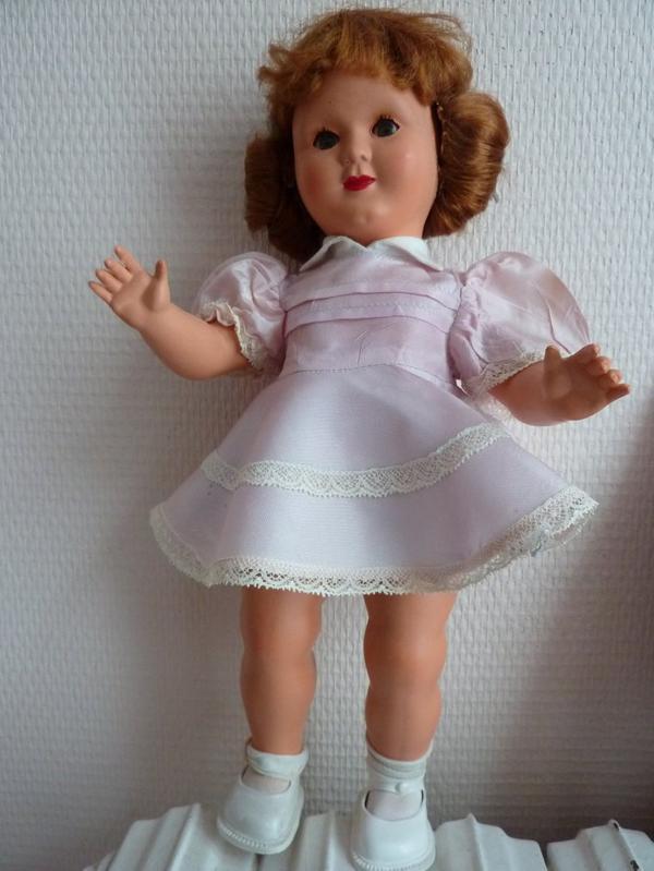 DOMINIQUE 1954 33 cms  avec sa tenue d'origine