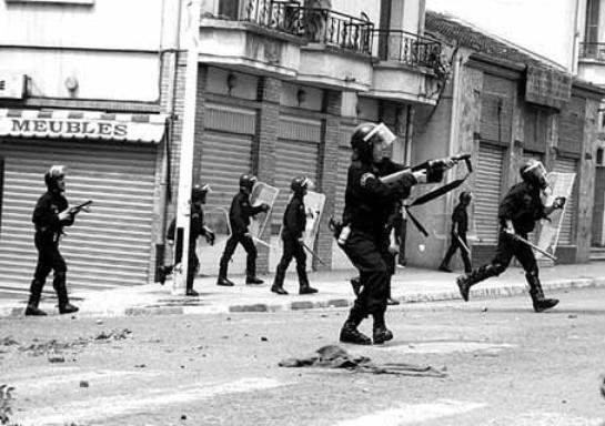 Y'a pas d'émeutes sans bavure .