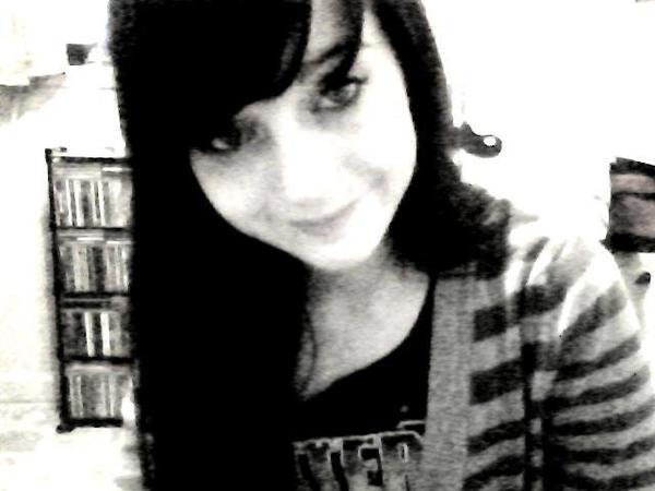Bienvenue :) Je mapelle Lucie j'ai 20 ans et VOus :P