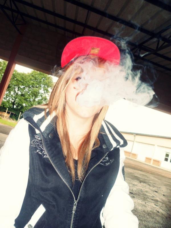 Fume la vie avant qu'elle te fume