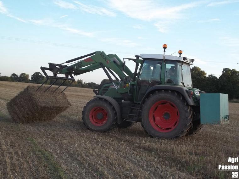 Ramassage de paille de blé 2011 : Fendt 311 Vario TMS & Mx T12