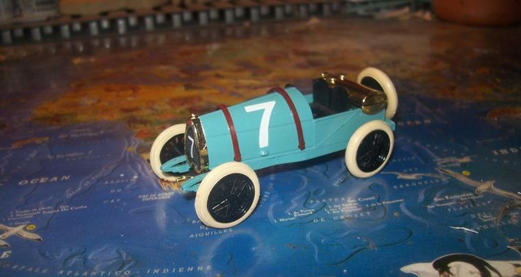 Collection de minatures Bugatti (26).
