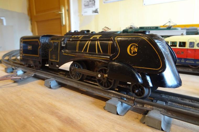 La Locomotive Carénée JEP