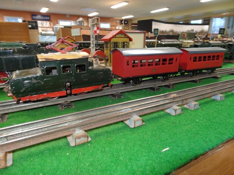 Trains-jouets en « 0 » (2) : Locomotives JEP et autres
