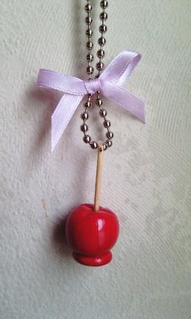 """Sautoir """" Pomme d'amour """""""