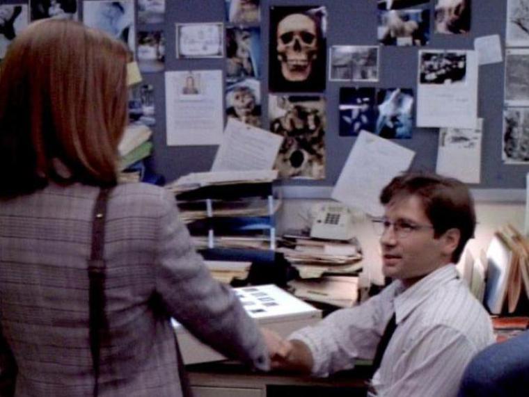 X-Files : Aux frontières du réel : 1X01 : Nous ne sommes pas seuls